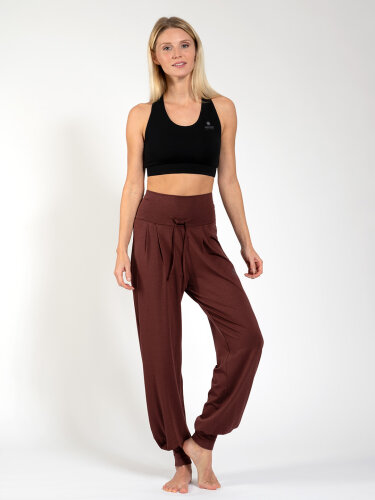 Yogahose Florence Brown made of soft high-quality natural material