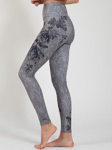 Delicate Leggings made of comfort stretch and with pocket