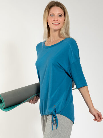 Yoga Shirt Sara Aqua made of natural material