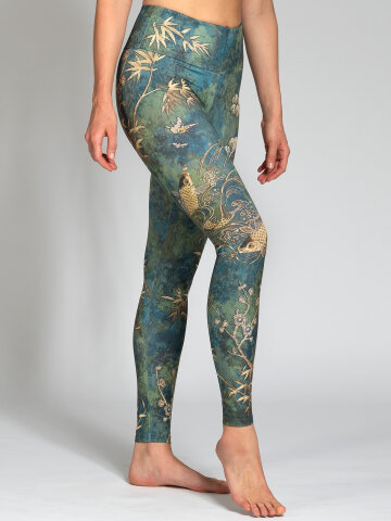 Camo Leggings aus recyceltem High Performance Stoff