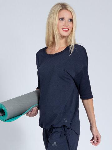 Yoga Shirt Sara Navy made of natural material