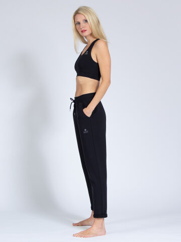 Yogahose Mela Black aus weichem Naturmaterial